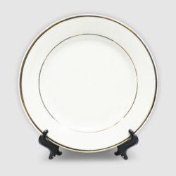 Тарелка белая керамическая с золотой каймой